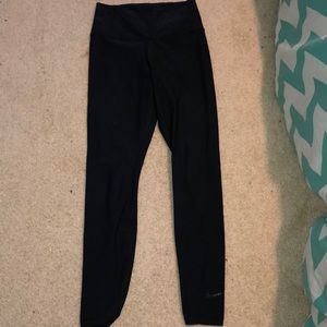 Black high rise Nike leggings